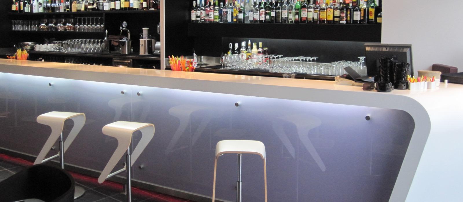 Bar sottobordo la spezia pfz arrredamenti for Marletto arredamenti la spezia